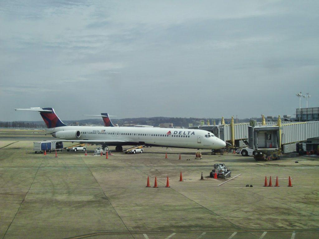 pesawat delta