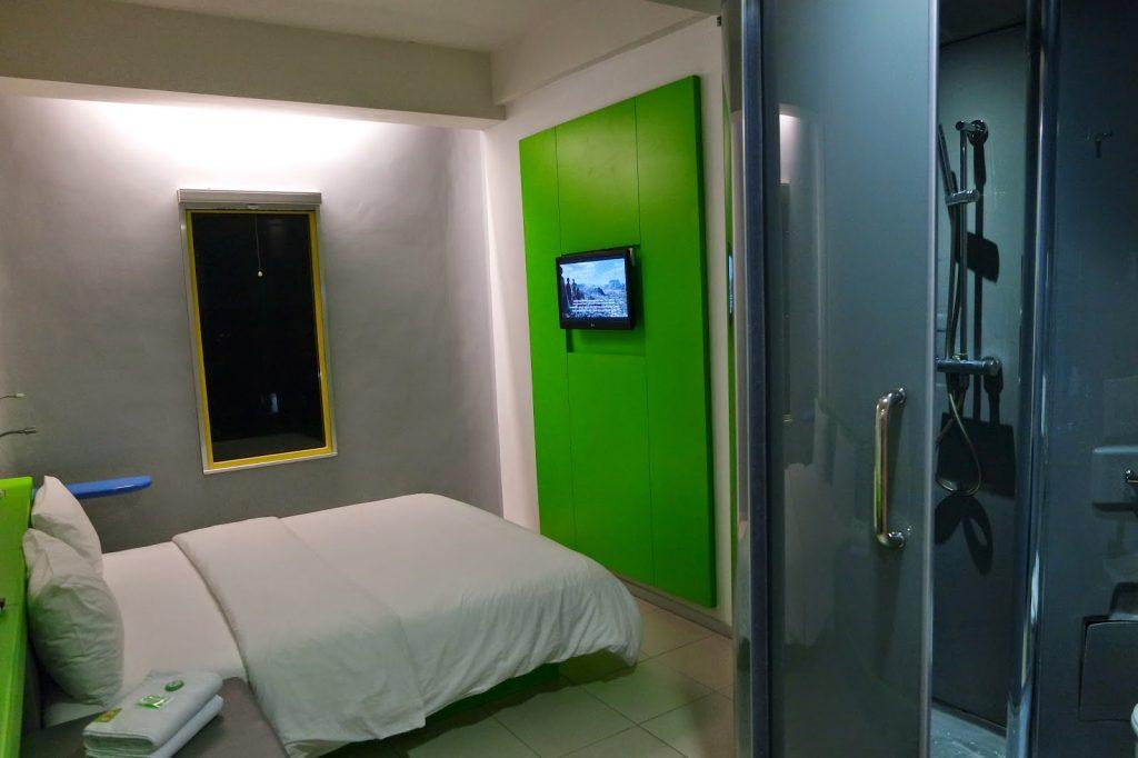 Kamar Pop Hotel bandara Soekarno Hatta