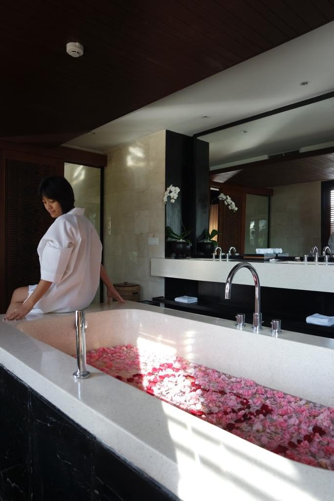 The Sanctoo Villa Bathroom