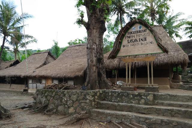 desa-sasak-ende-di-lombok-1