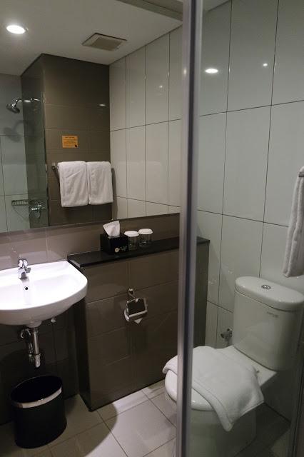 ivory-by-ayola-bathroom