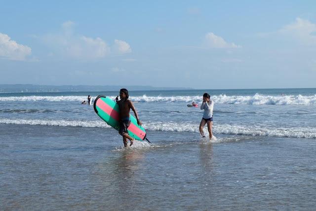 surfing-in-kuta-beach