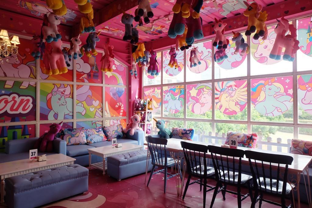 miss unicorn cafe cibubur