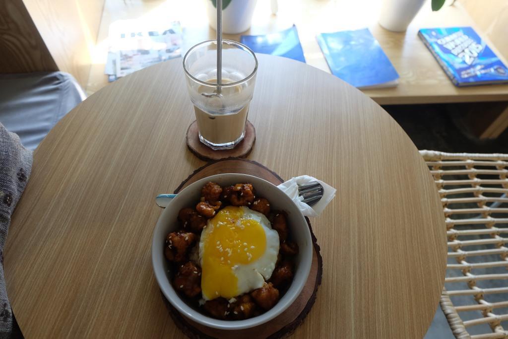sunyi cafe