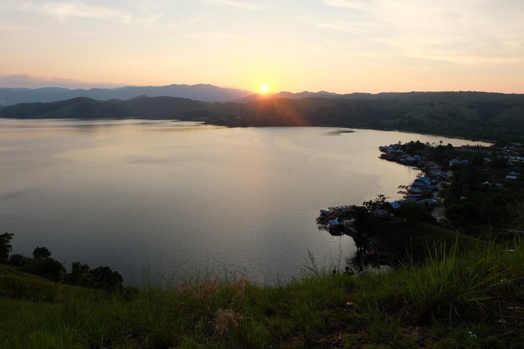 sunset bukit teletubbies