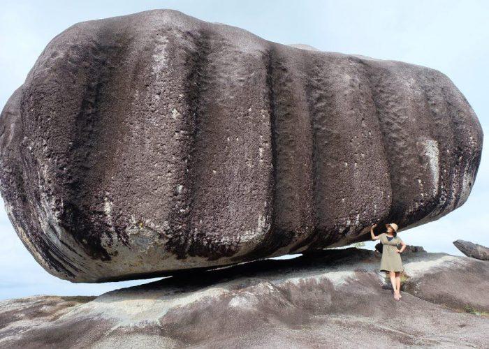 batu unik belitung