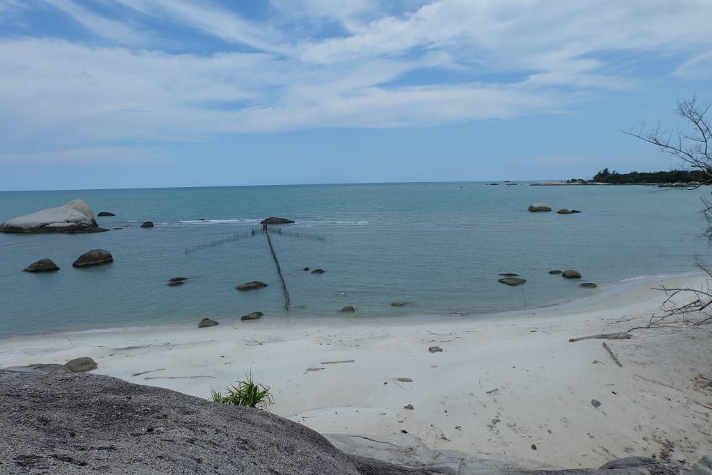 pantai di arumdalu
