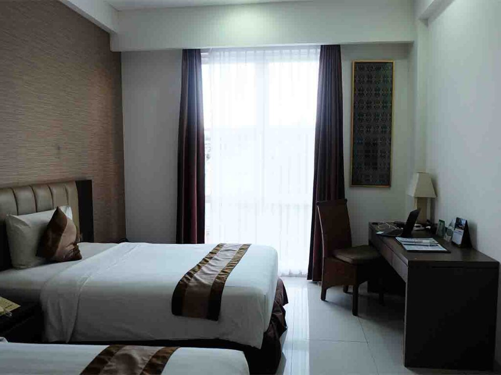 hotel on the rock kupang