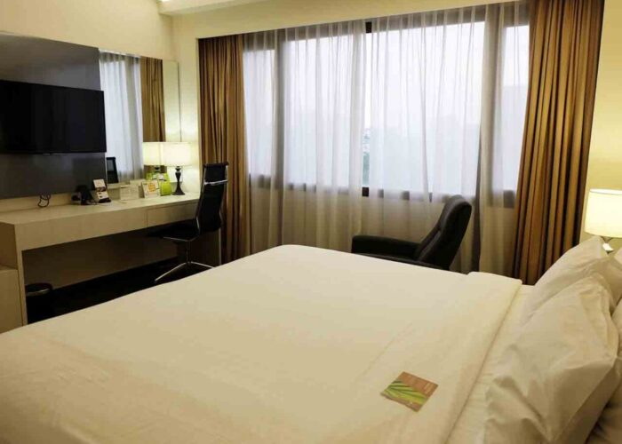 cerita cinta di kamar hotel