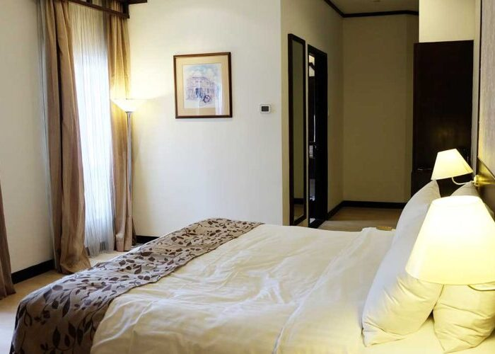 cerita cinta kamar hotel